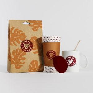 Packaging d'un sac, d'un mug et d'une tasse pour un magasin de café à emporter