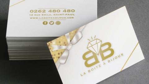 Carte de visite d'une bijouterie avec le logo et le contact