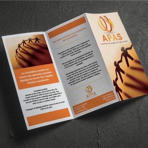 Dépliant 3 volets pour l'association de partage d'aides sociales